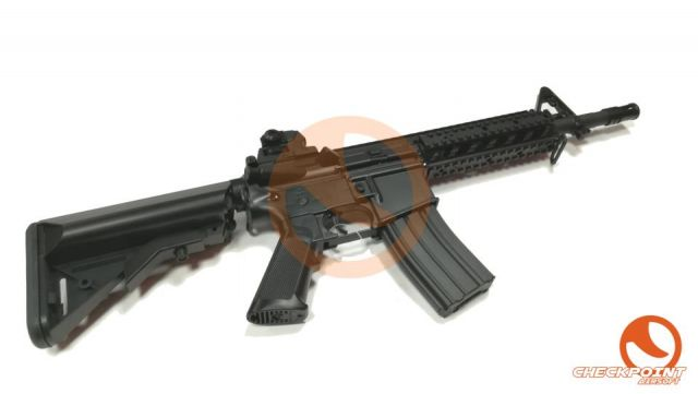 M4 CM.517 Negro/Tan CYMA