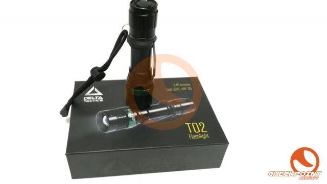 Linterna T02 XPE Q5 recargable 240L